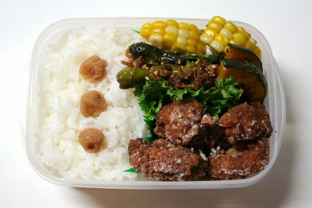 鶏の竜田揚げ弁当。