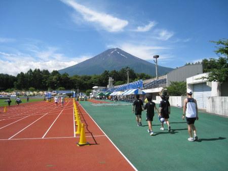 富士山を仰いでレッツラン!