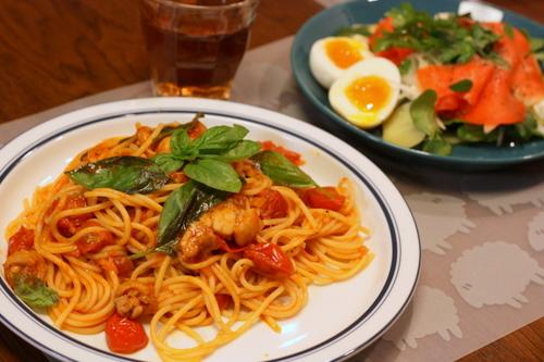 パスタとサラダの簡単ディナー